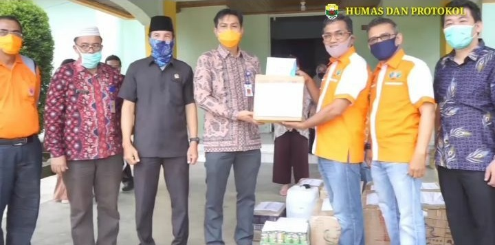 Permalink ke Pemkab Muaro Jambi Terima Bantuan APD dari Pihak Pengembang Perumahan