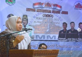 Permalink ke Bupati Muaro Jambi Hj. Masnah Busyro Hadiri Pelantikan Pengurus IMMJ