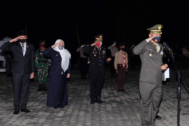 Permalink ke Ketua DPRD Muaro Jambi Ikuti Apel Renungan Suci di Taman Makam Pahlawan Kusuma Bhakti