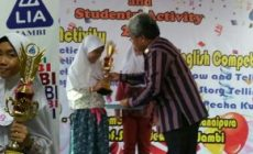 Permalink ke Hebat, Adinda Juara English Competition Kategori Show and Tell