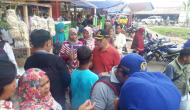Permalink ke Pagi-pagi Buta, H. Bakri Sapa Pedagang di Tiga Pasar