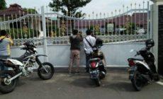 Permalink ke Tim KPK Datang Lagi, Puluhan Wartawan Stanby di Rumdis Gubernur