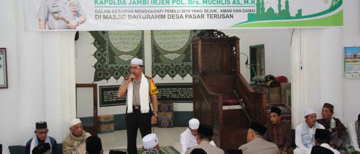 Kapolda Jambi Jumling di Mesjid Baiturrahim Desa Pasar Terusan, Ini Pesannya