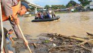 Permalink ke Kapolda Jambi Ajak Anak Buahnya Bersih-bersih Kawasan Objek Wisata Gentala Arasy