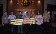 Permalink ke Pagi Ini Kapolda Jambi Serahkan Bantuan Bencana Tsunami