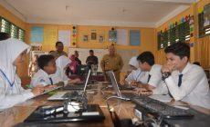 Permalink ke Bupati Safrial Tinjau UNBK SMP di Kuala Tungkal