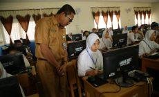 Permalink ke Sekda Munasri Pantau Pelaksanaan UNBK SMP di Kota Sungai Penuh
