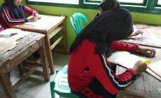 """Permalink ke SekolahBerakreditasi A, Siswa Belajar PakaiMeubelair """"Jelek"""""""