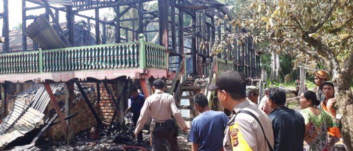 Diduga Akibat Konsleting Arus Pendek Listrik, Satu Rumah Terbakar