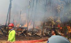 Permalink ke 9 Rumah Warga di Tebing Tinggi Tanjab Barat Hangus Terbakar