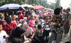 Permalink ke Fachrori Bagikan Masker di Moment Pawai Pembangunan 2019