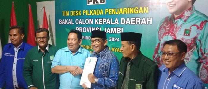 H. Bakri Kembalikan Formulir di DPW PKB