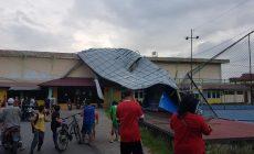 Permalink ke Atap Stadion Bhakti Karya Roboh Ditiup Angin