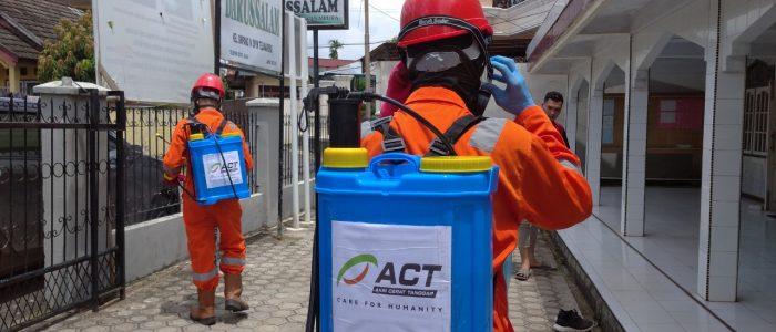 ACT Jambi Lakukan Aksi Penyemprotan Disinfektan di Tiga Titik