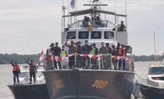 Permalink ke Polisi dan TNI Serta Nelayan Peringati Detik-detik Proklamasi Diatas Air