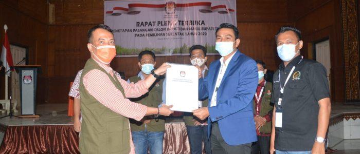 Rapat Pleno Terbuka, KPU Batanghari Tetapkan Fadhil-Bakhtiar Sebagai Cabup dan Wabup Terpilih