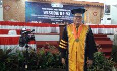 Permalink ke Raih Gelar Doktor, Noviardi Ferzi Mantan Presiden Mahasiswa Unja di Wisuda