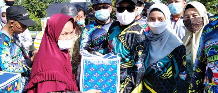 Keluarga DPC Pujakesuma Alam Barajo Gowes bersama Wawako Maulana