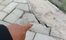 Permalink ke Baru Seumur Jagung, Dua Pembangunan Proyek Jalan Paving Block Desa Dataran Kempas Sudah Hancur