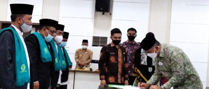 Kukuhkan Pengurus-nya, Walikota Fasha Janji Bangun Kantor MUI Kota Jambi