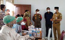 Permalink ke 200 Lansia Mendapatkan Vaksinasi Tahap Kedua