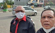 Permalink ke HM Dihadang Pak RT 02 Kenali Besar Ditengah Jalan Rusak