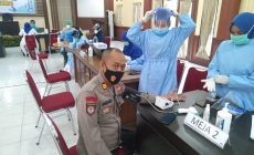 Permalink ke Dukung Program Pemerintah, Ratusan Personil Polres Muaro Jambi Jalani Vaksinasi Covid-19