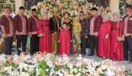 Permalink ke Sibuk Konsul tak jadi Penghalang bagi HM dan Isteri Hadiri Resepsi Pernikahan Siti & Ridho