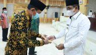 Permalink ke Bupati Anwar Sadat Serahkan 20 SK Pensiun PNS
