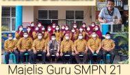 Permalink ke Kepsek dan Para Guru SMPN 21 Tanjabtim Bantu Korban Kebakaran Menteng