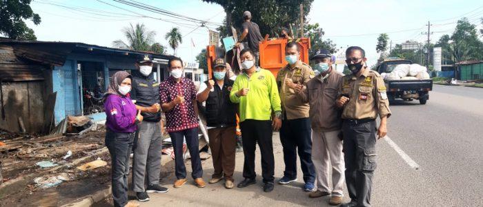 Disaksikan HM, Lapak PKL di Gerbang Masuk Kota Jambi Dirapikan