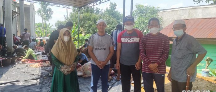 Yayasan Asy-Syifa Al-Inayah Kota Jambi bersama Warga RT 51 Kenali Besar ikut Serta BerQurban