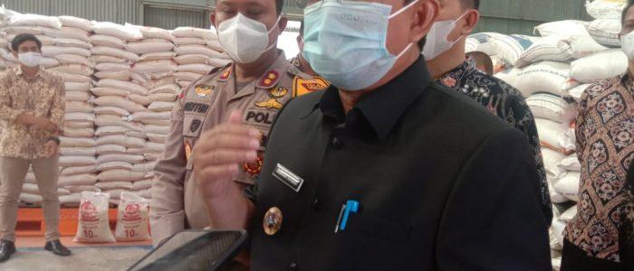 Bupati Anwar Sadat Harap Penyaluran Beras Bantuan PPKM ke Masyarakat Cepat dan Tepat Sasaran