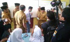 Permalink ke Gubernur Jambi Fachrori Umar Berikan 1500 Masker kepada Pelajar, Ini Imbauannya