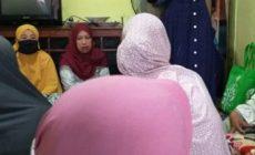Permalink ke Hadiri Pengajian Ibu-ibu di Kota Jambi, Kesederhanaan Hesti Haris Dipuji Warga